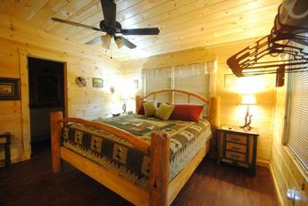 Log king bed/Large master suite